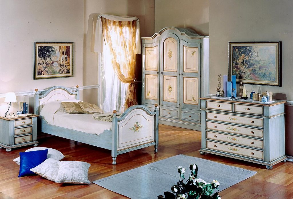 Lacquered children's bedroom